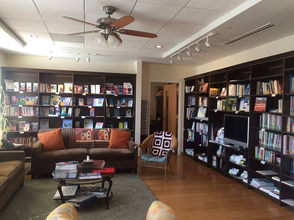 Gilda's Club Middle Tennessee Nashville cancer support resource library free specialist